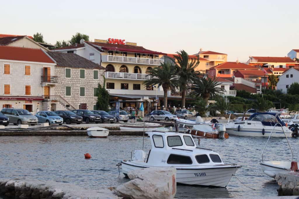 Den lille bådehavn i Seget Vranjica