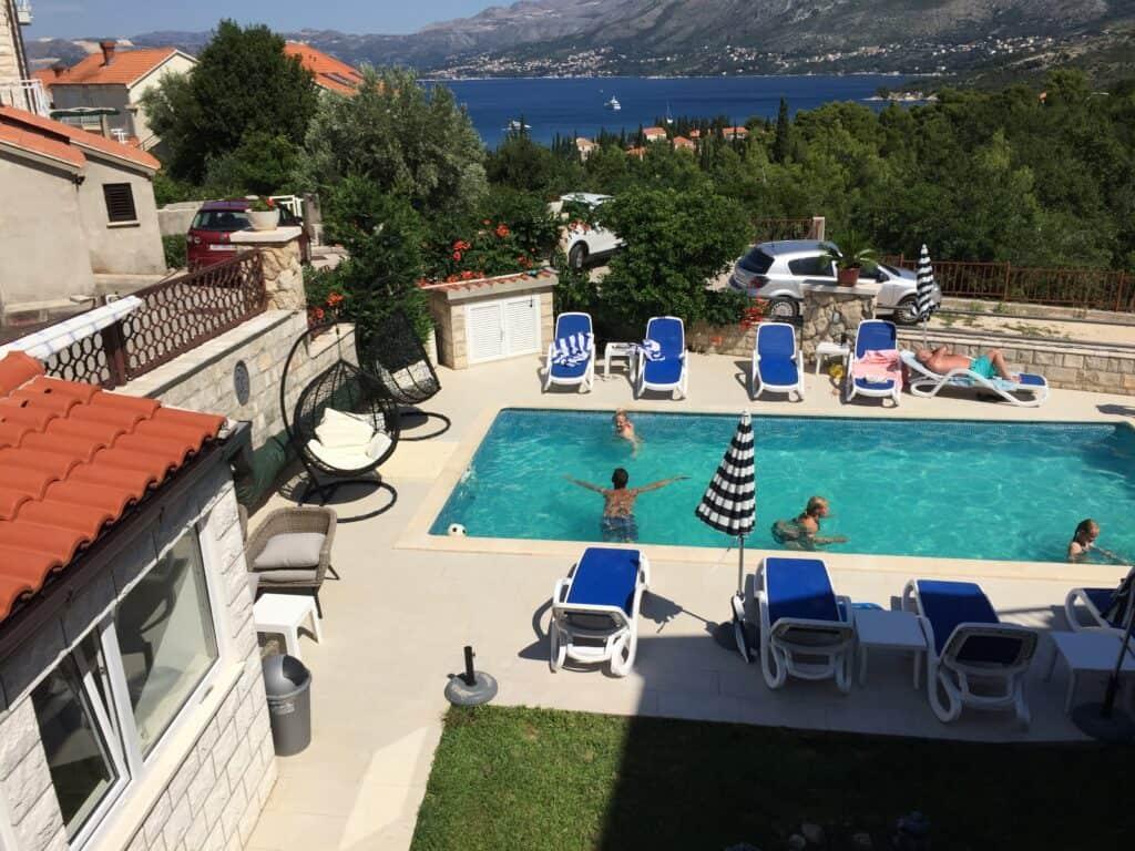 Pool ved Villa Markoc