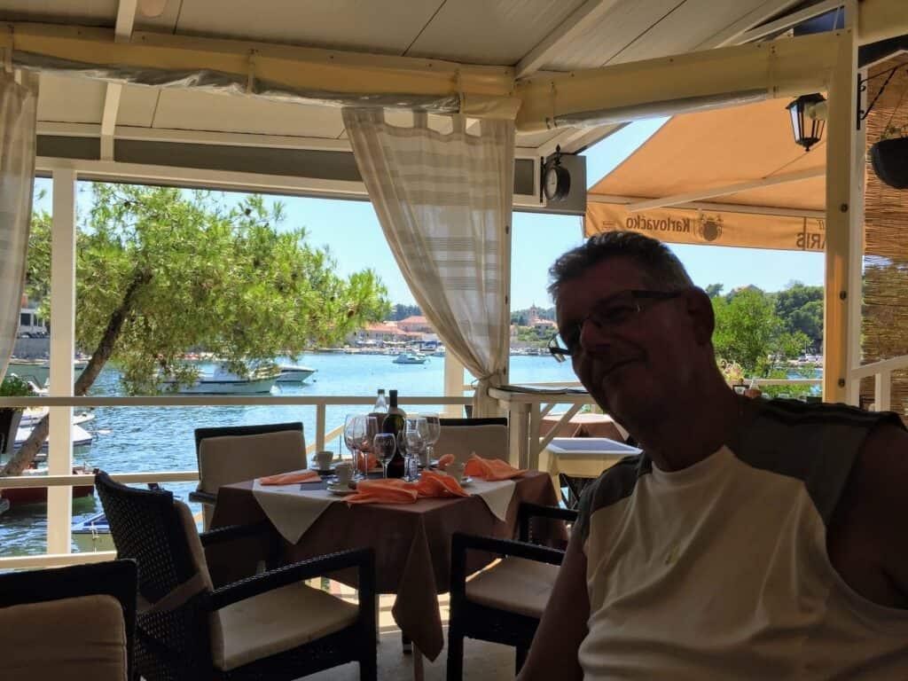 Frokost tæt ved stranden og med fantastisk udsigt