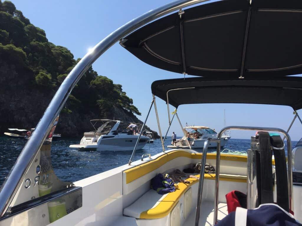 Gabriel Watersports i Cavtat arrangerede en fantastisk 4 timers sightseeing på havet. Vi besøgte Dubrovnik, Kolocep, Mlini, Cavtat mv.