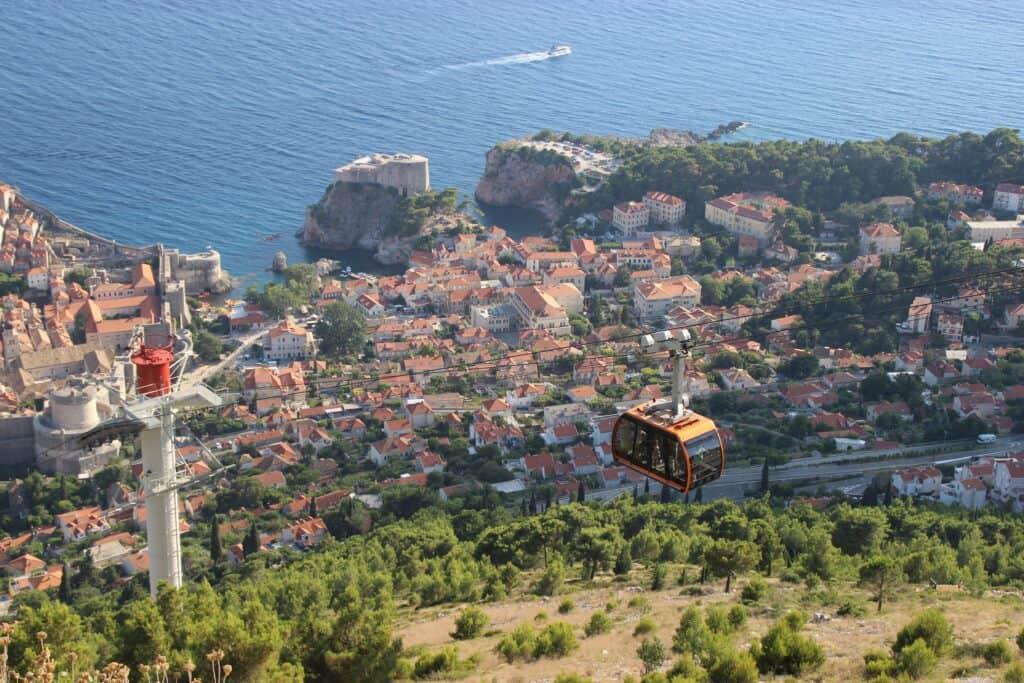 Dejlig tur med svævebanen, kig over Dubrovnik mens der nydes en drink på Restaurant Panorama