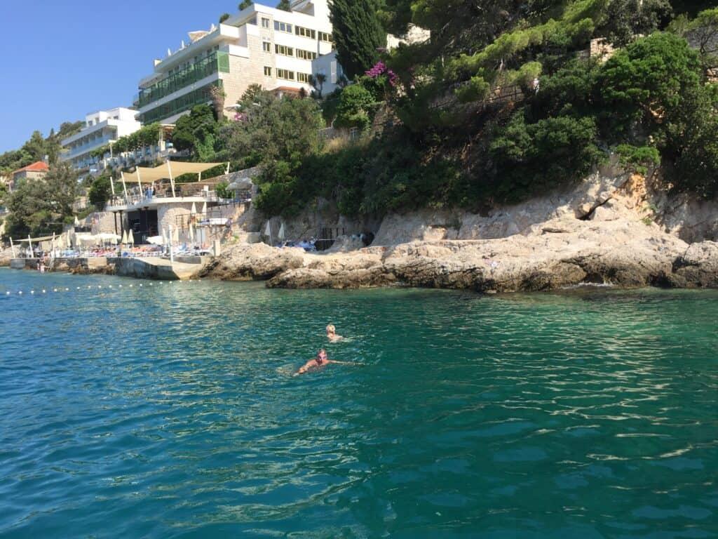 Sejltur og svømning ved Dubrovnik